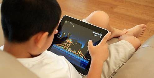柳州10岁熊孩子实力坑妈 用手机玩游戏3小时花去八千
