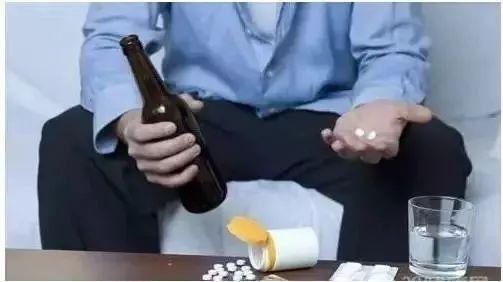 春节聚会饮酒要当心!头孢+酒=毒药 引起副作用
