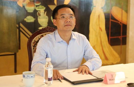 中国启迪控股股份有限公司董事长、中国—东盟科技产业合作委员会中方主席王济武致辞