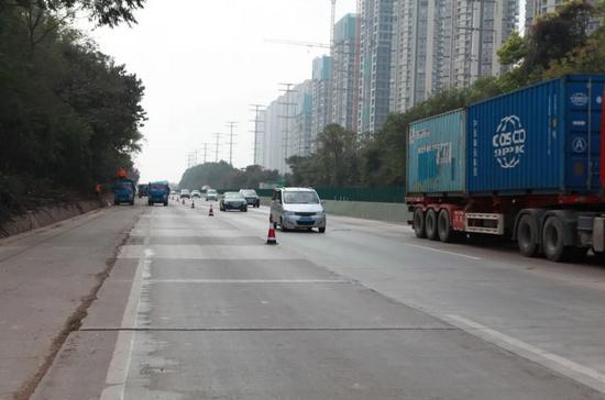 南宁人注意!这一路段12月1日起进行半幅封闭施工