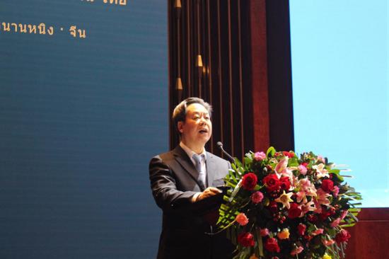 崇左市委书记、市人大常委会主任刘有明发表演讲 苏世钰/摄