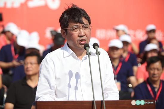 中共柳州市委副书记、市长吴炜(蒋国华 摄)