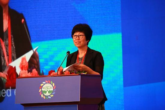 中国生产力促进中心协会韩丽娟致辞。新浪广西 黄媛/摄