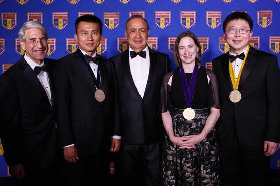 2017年,崔屹获得Blavatnik国家奖的物质科学奖。受访者供图