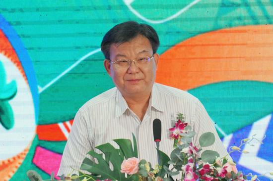 自治区文化和旅游厅党组书记、厅长甘霖致辞 甘慧/摄