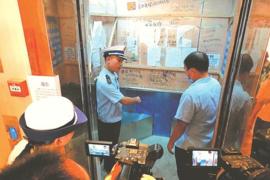 南宁市规定电单车禁止进电梯 停放点设防火喷头