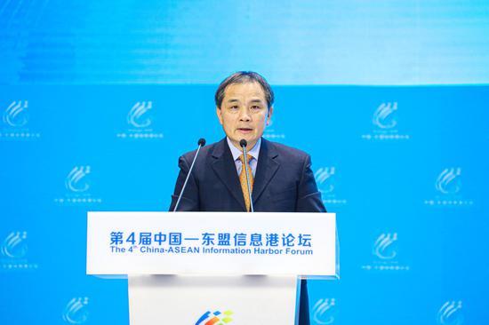 中国国家发展和改革委员会创新和高技术发展司副司长孙伟致辞