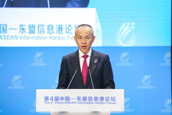 中国卫星导航系统办公室主任冉承其发表演讲