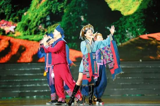 """""""大地飞歌·2020"""":歌唱家用歌声向世界推荐绿城南宁"""