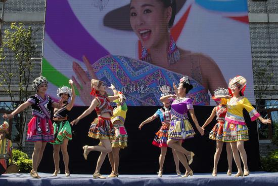2018中国柳州国际水上狂欢节双城文化交流周现场(李家树 摄)