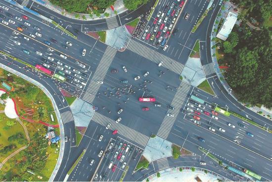 智慧交通让出行更顺畅(图片均为南宁交警提供)