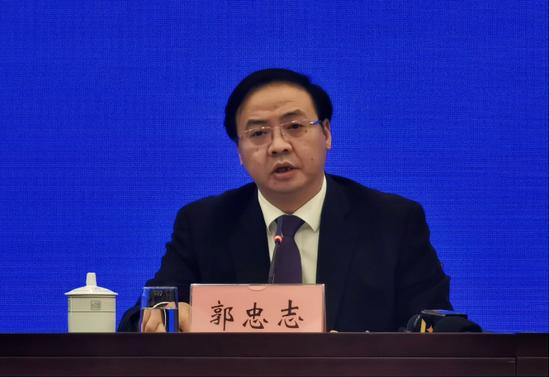 自治区党委副秘书长、自治区党委政研室(改革办)主任郭忠志在新闻发布会上作介绍。