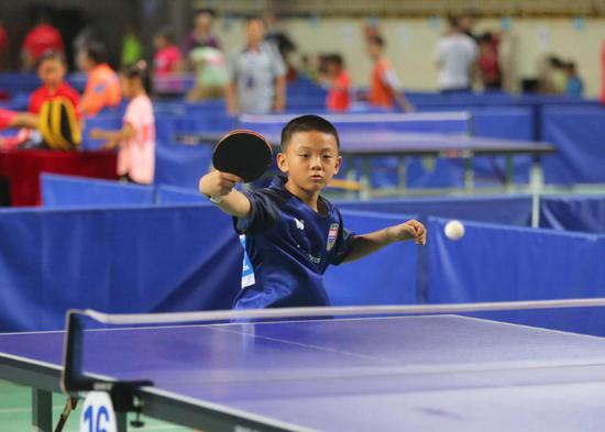 """一起动起来,爱""""乒""""才会赢!柳州市乒乓球锦标赛落下帷幕"""