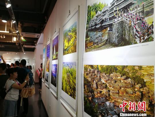 60幅摄影作品展示侗乡三江风情。 程景伟 摄