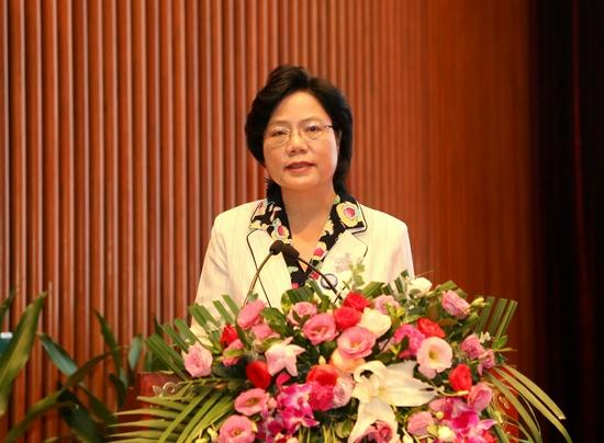 首届中国—东盟新能源电动车产业创新发展高峰论坛举行