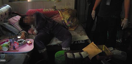 震惊!南宁一女子瘫痪在床 却是毒贩团伙的幕后老板