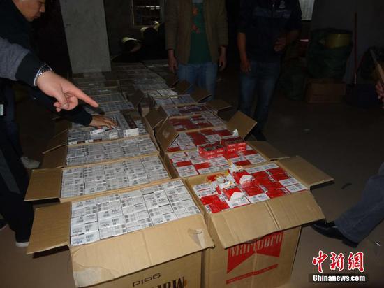 广西警方中越边境侦破特大非法走私香烟案 案值超6亿