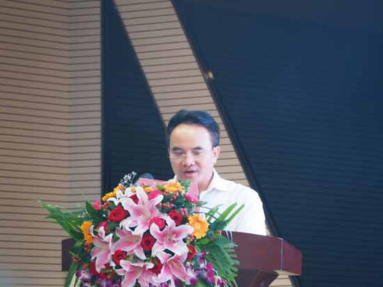 专家组组长罗瑞鸿博士介绍珍珠李营养价值情况