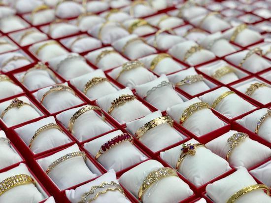 梧州宝石名特优产品展销会上展出的宝石