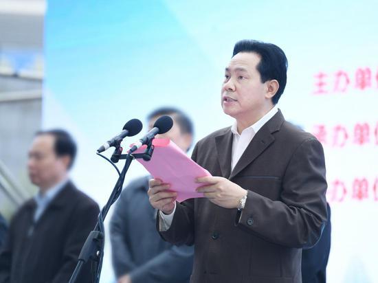 自治区党委常委、政法委书记黄世勇正在讲话 郑肖君/摄