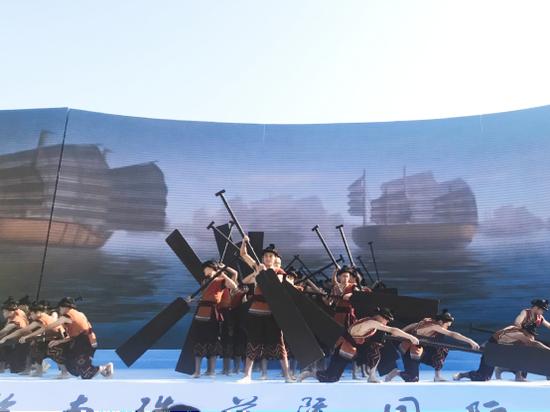 充满南珠文化元素的表演 龙真/摄