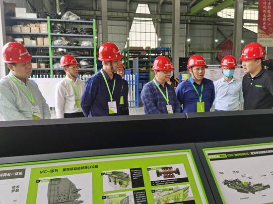 该院领导班子和广西美斯达机械设备有限公司洽谈校企合作事宜