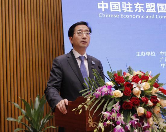 广西壮族自治区人大常委会党组副书记、副主任张晓钦致辞