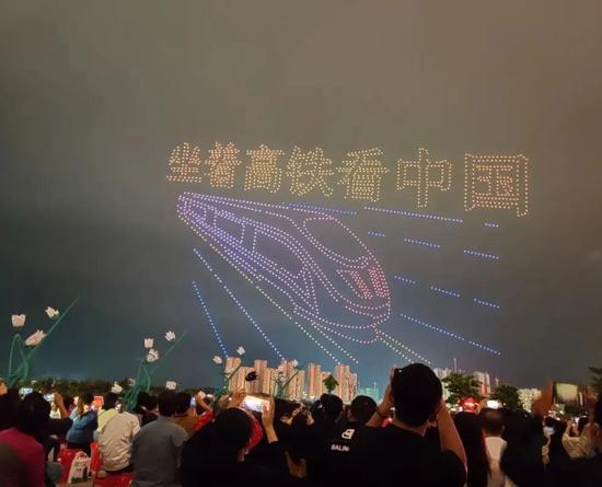 万人围观朋友圈刷屏!在广西这趟特别专列可太火了