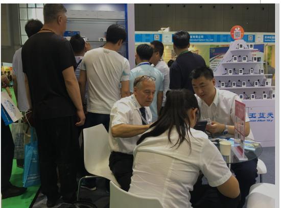 2016国际空气新风展:汉王霾表,新风好伴侣