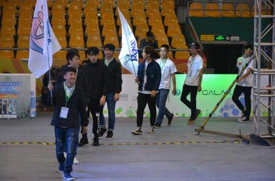 GEC广西小孩电子竞技v小孩对决终极上演首届练马术危害图片