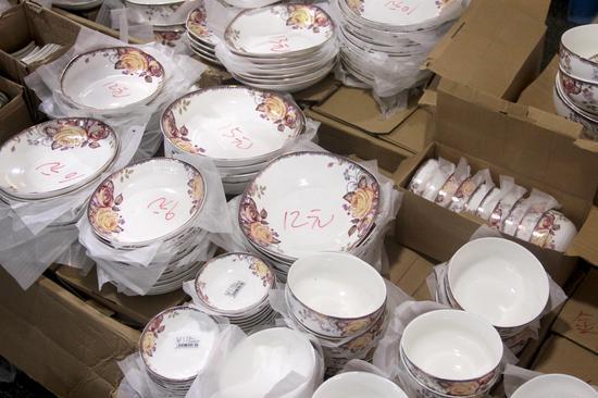 不同规格的碗碟价格不一