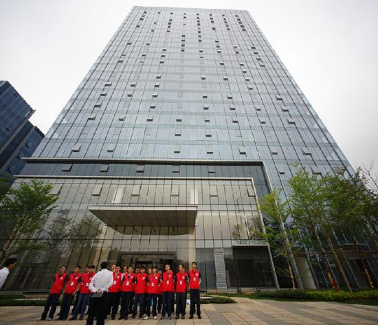 50人验房团做好准备,严格检验绿地中心1号楼