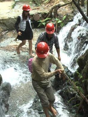 南宁:森林氧吧凤凰谷 丛林溯溪够清凉