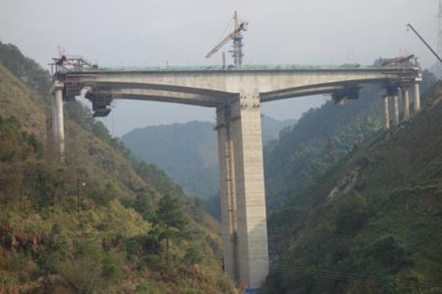 资兴高速、桂三高速加快建设进度 力争10月份通车