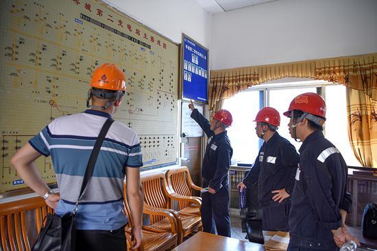 南方电网广西梧州供电局全力以赴支援岑溪抢修复电