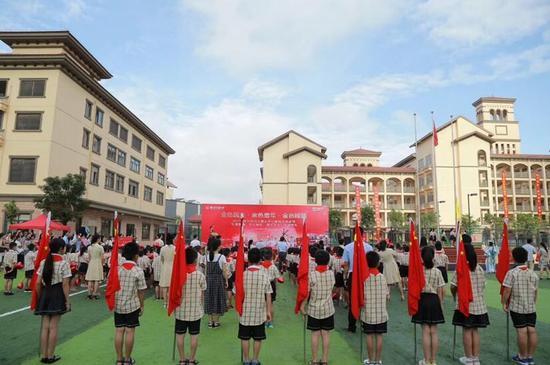 南宁万达茂兑现承诺,为五象新区献上第一所重点小学!