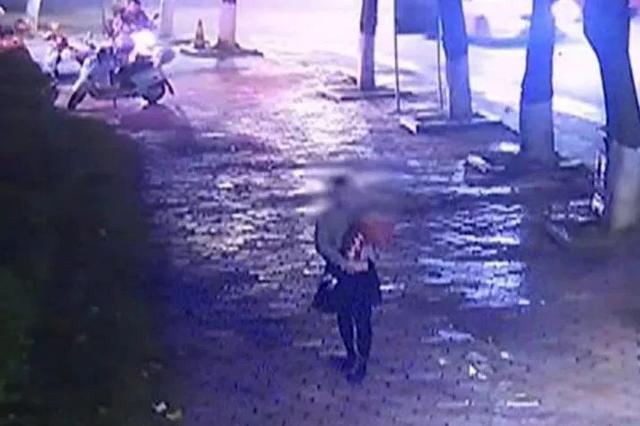 贺州一女子声称遭人抢小孩 监控发现有蹊跷(图)