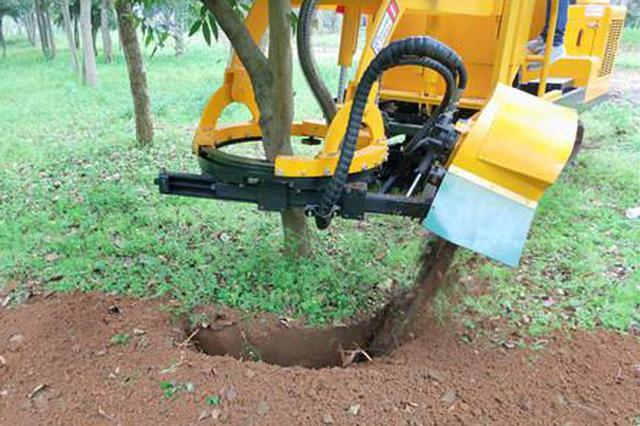 """厉害!柳州有台""""黑科技""""产品 挖一棵树只需5分钟"""