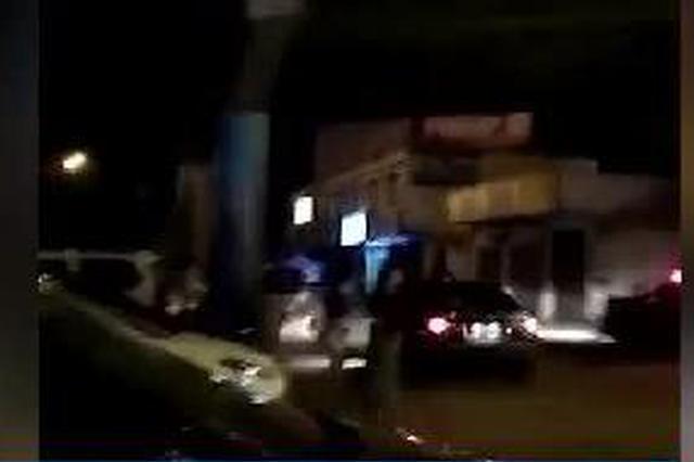 广西柳州:感情纠纷双方多人吵 男方驾车冲撞人群
