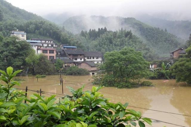 广西再发暴雨蓝色预警 桂西、桂南仍有大雨到暴雨