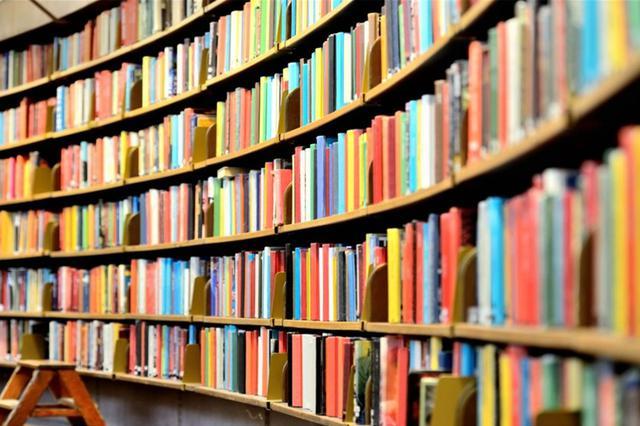 """谢绝儿童入图书馆""""显效"""" 媒体追问:孩子去哪读书"""