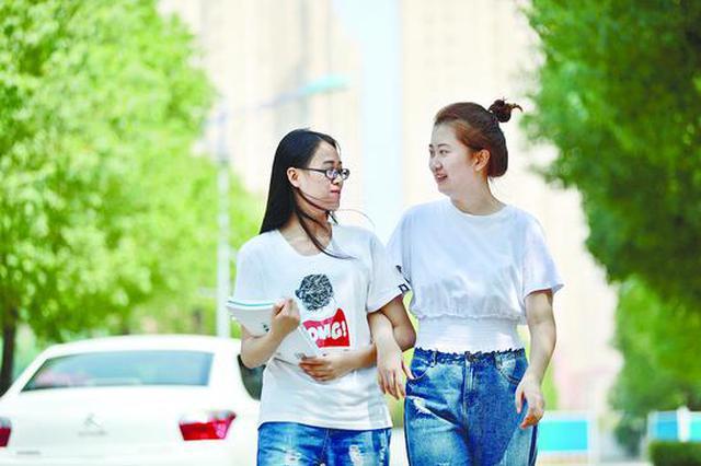 得到三年匿名资助 贫困女生背后藏着位中国好同学