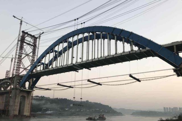 甘孜州金沙江大桥被冲毁 国道318线断道
