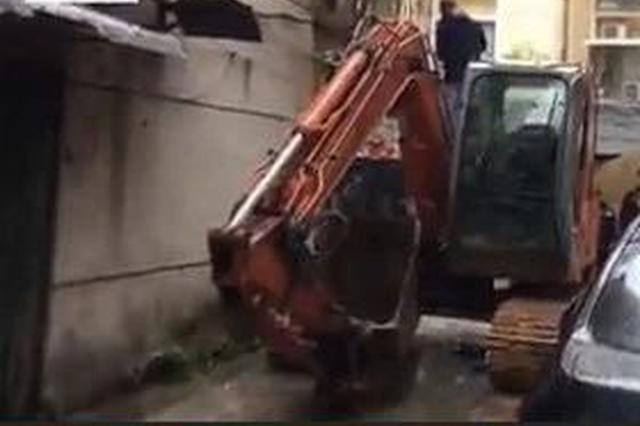 桂林200余名执法人员拆除这小区里近5千㎡违法建筑