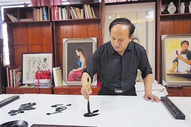 南宁书画家20余人采风 描绘广西成就和壮丽河山