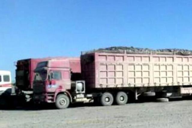"""南宁集中治理""""百吨王"""":载重49吨拉了上百吨碎石"""