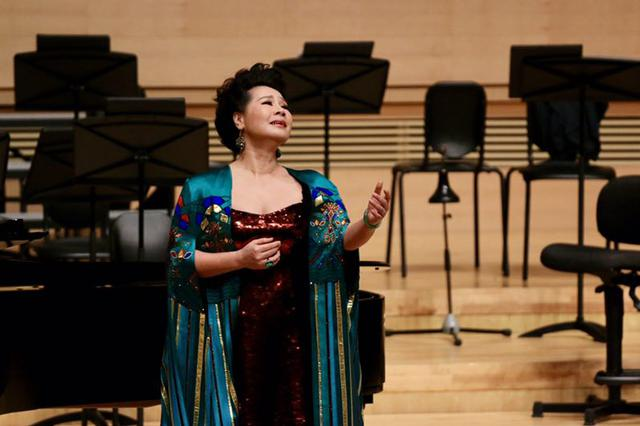 著名壮族歌唱家慕林林独唱音乐会在南宁开唱