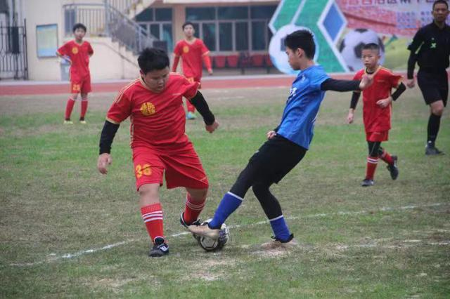 2018年南宁市青少年足球俱乐部联赛暨选材赛开赛