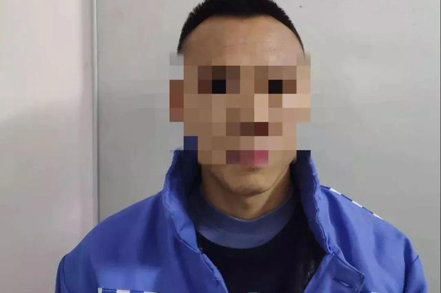 荔浦出租车司机搭醉汉竟被打 司机报警后他还袭警