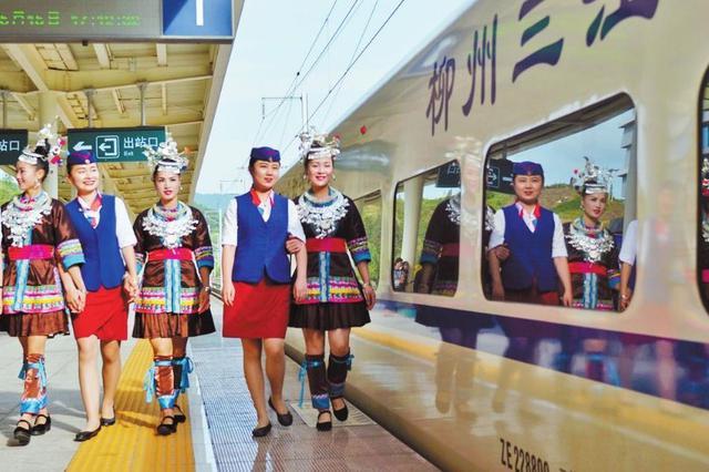 广西首趟县域始发动车开行3周年 一条高铁带动一座城